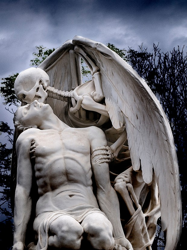 The Kiss Of Death (the strangest kiss)